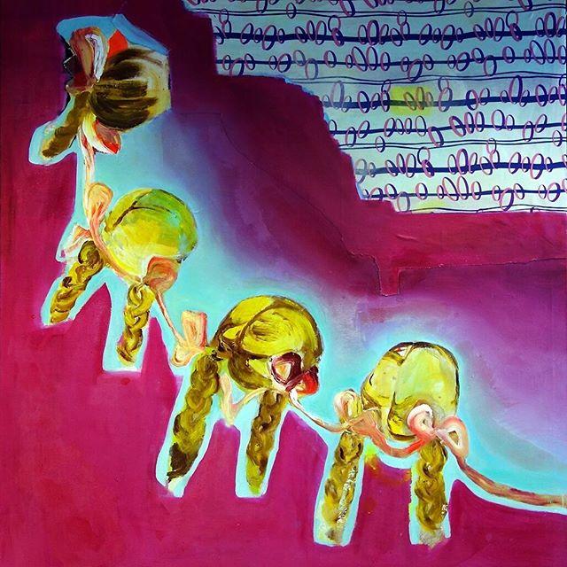 @embaoulu: Anna Tuorin Sidotut 2002, #nykytaidetta kauppakorkeakoulun kahvihuoneen seinällä. Anna Tuorin maalausten salaisuus on karkkivärien ja synkkien tunnelmien välinen kontrasti. #EMBAOULU #johtamiskoulutus