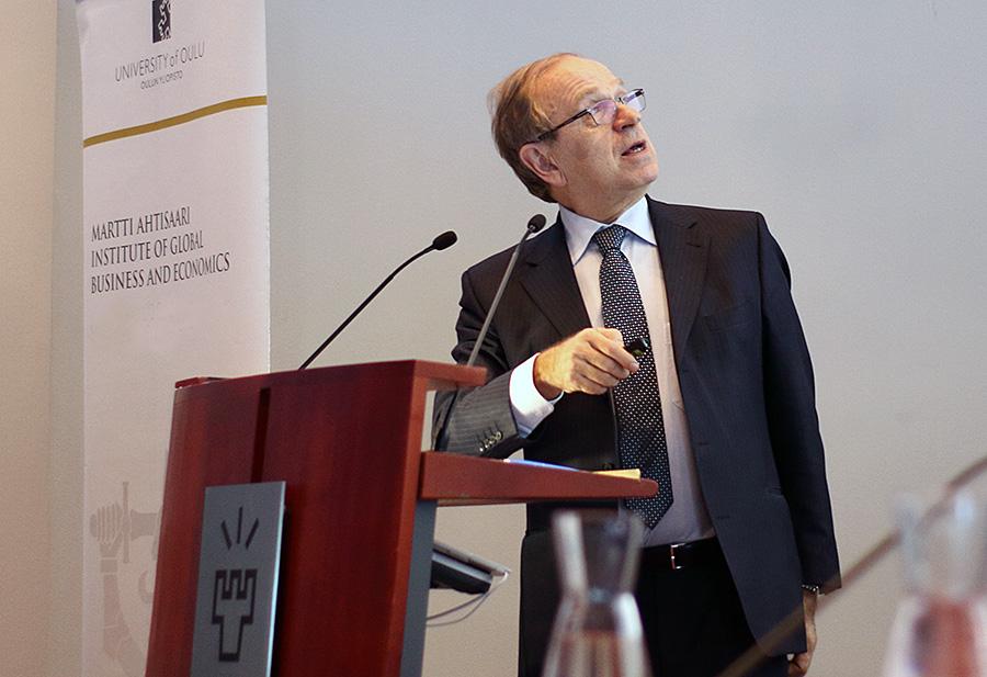 """Pääjohtaja Liikanen: """"On huolehdittava, että kasvussa pysyvät kaikki mukana"""""""