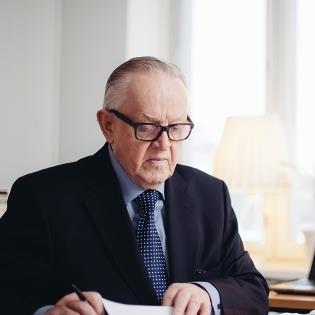Presidentti Martti Ahtisaari v...